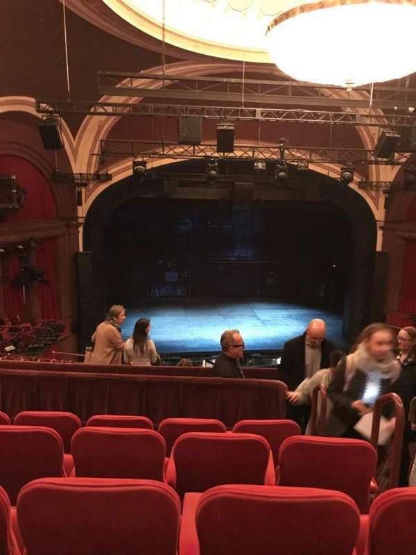 Broadway Theatre - 53rd Street, sección: front mezzanine lc, fila: e, asiento: 106