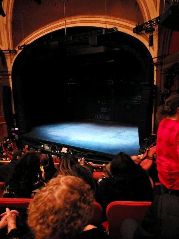 Broadway Theatre - 53rd Street, sección: Front Mezzanine R, fila: D, asiento: 17