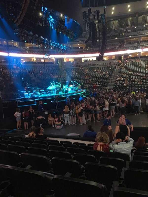 Ball Arena, sección: 128, fila: 8, asiento: 8