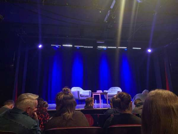 Leicester Square Theater, sección: Main House, fila: E, asiento: 16