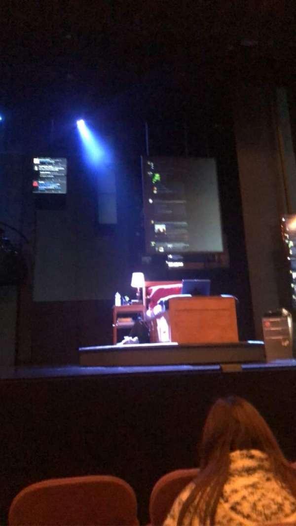 Music Box Theatre, sección: Orchestra C, fila: D, asiento: 107