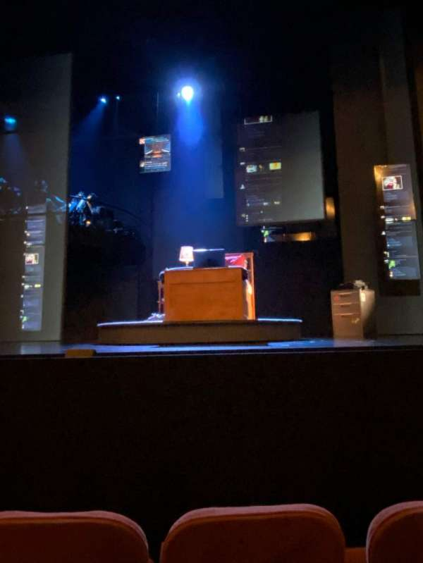 Music Box Theatre, sección: Orchestra C, fila: C, asiento: 103