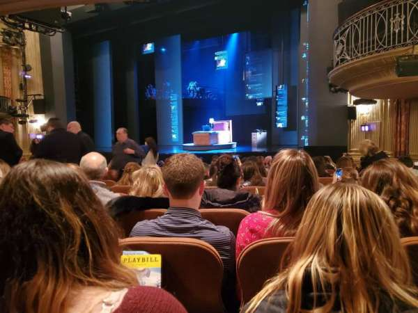 Music Box Theatre, sección: orchestra right, asiento: 18