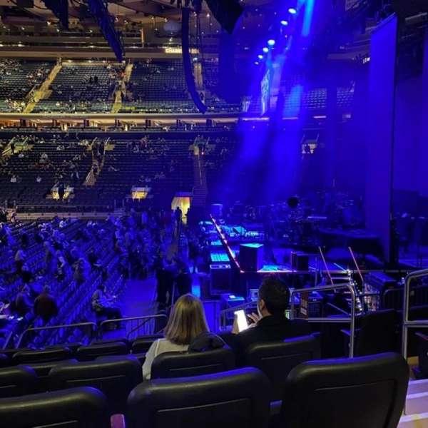 Madison Square Garden, sección: 108, fila: D, asiento: 20