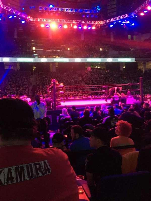 Wintrust Arena, sección: 109, fila: DD, asiento: 12