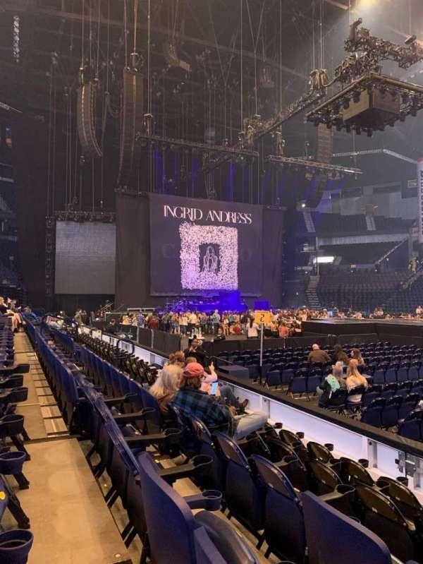 Bridgestone Arena, sección: 116, fila: EE, asiento: 2