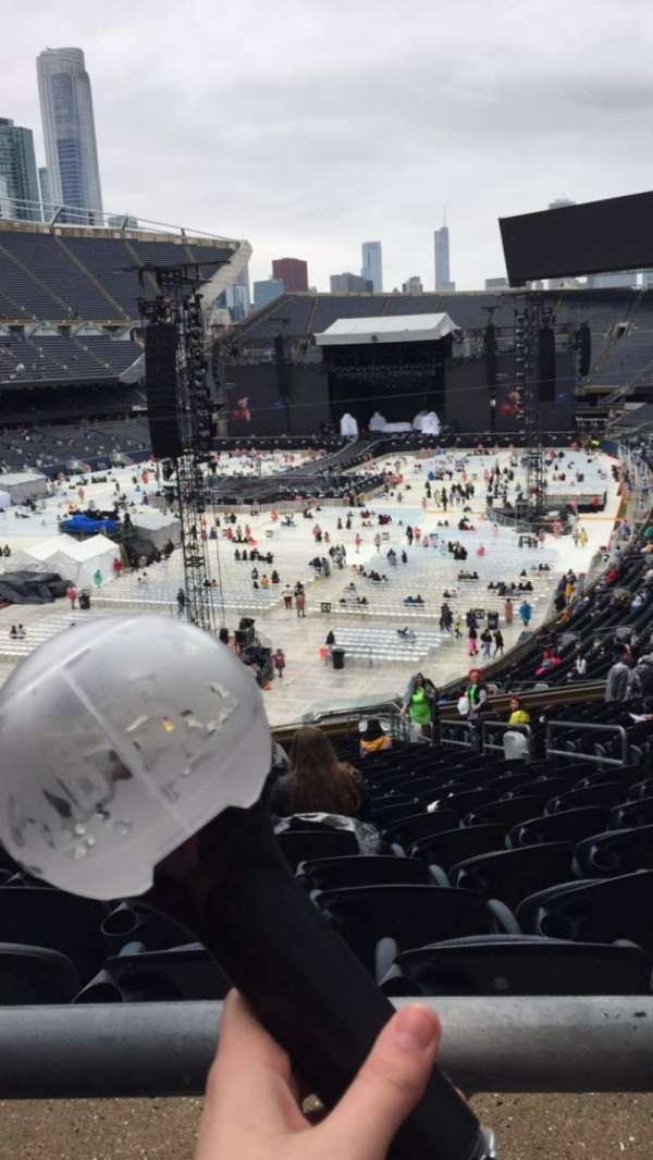 Soldier Field, sección: 319, fila: 1, asiento: 16