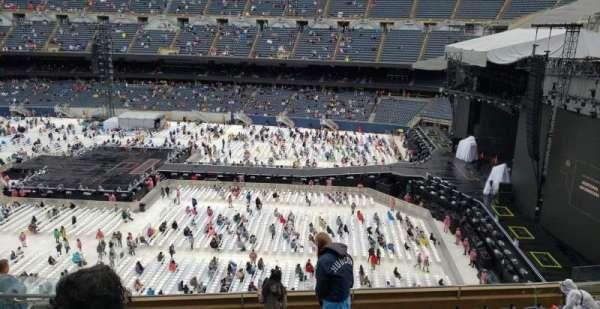 Soldier Field, sección: 305, fila: 10, asiento: 6