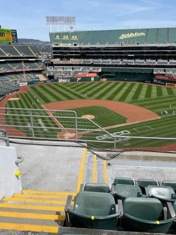 Oakland Coliseum, sección: 315, fila: 5, asiento: 16