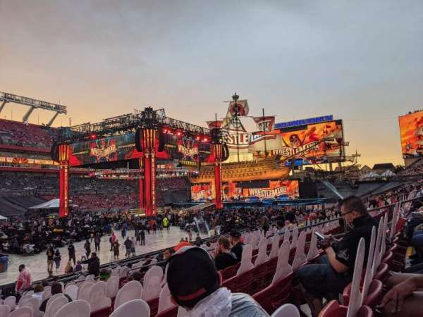 Raymond James Stadium, sección: 131, fila: R, asiento: 8