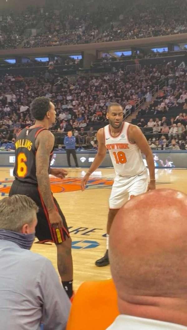 Madison Square Garden, sección: 12, fila: 2, asiento: 3