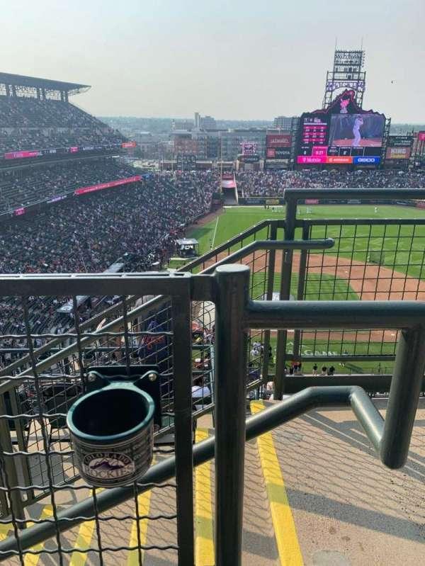 Coors Field, sección: U326, fila: 10, asiento: 1