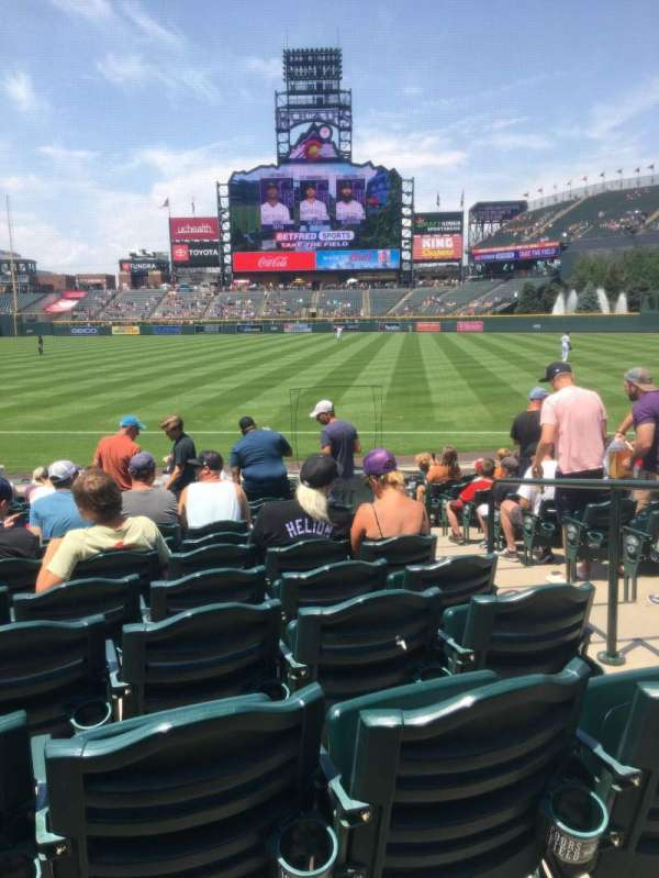 Coors Field, sección: 117, fila: 15, asiento: 3
