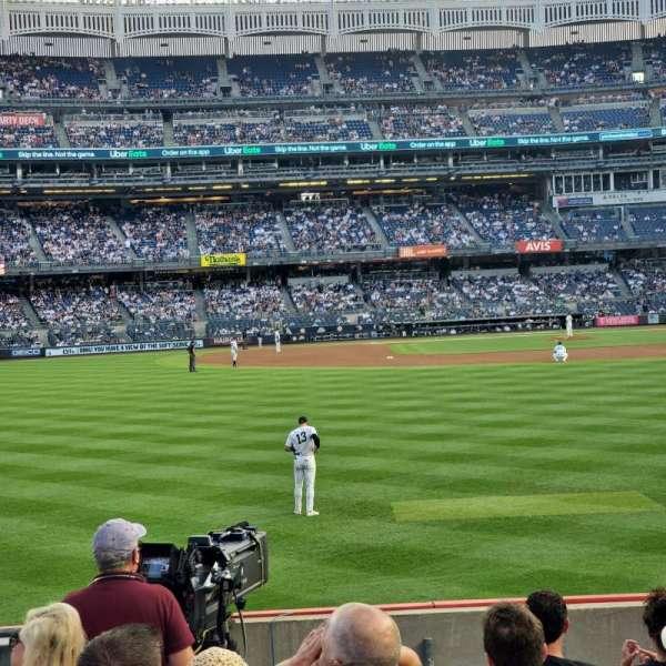 Yankee Stadium, sección: 135, fila: 8, asiento: 21