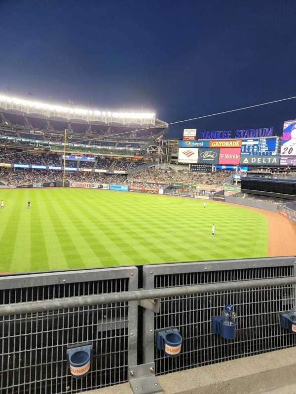 Yankee Stadium, sección: 209, fila: 2, asiento: 17