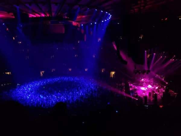 Madison Square Garden, sección: 213, fila: 4, asiento: 1