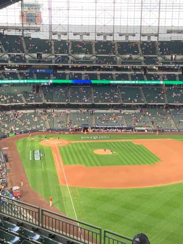 American Family Field, sección: 405, fila: 7, asiento: 16