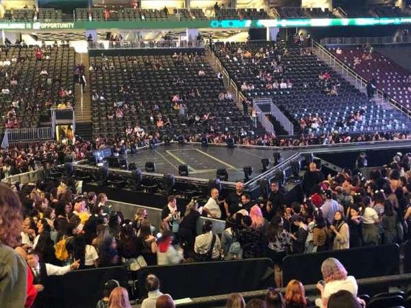 Prudential Center, sección: 8, fila: 9, asiento: 20
