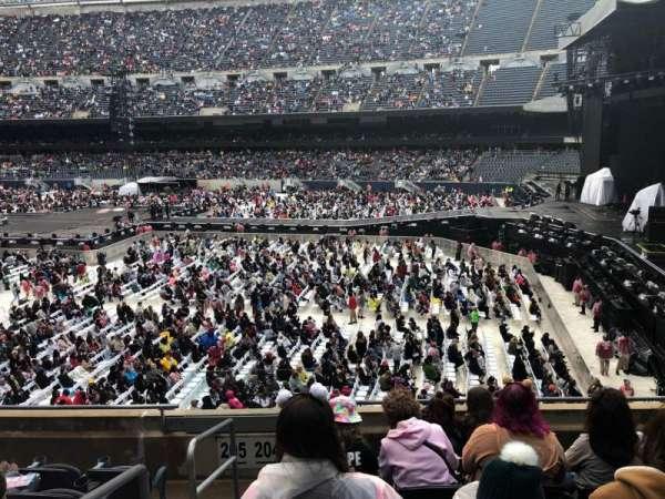 Soldier Field, sección: 204, fila: 6, asiento: 1