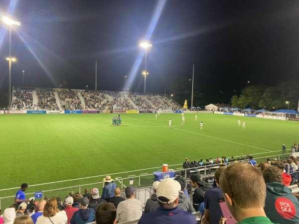 Dillon Stadium, sección: 3, fila: P, asiento: 13