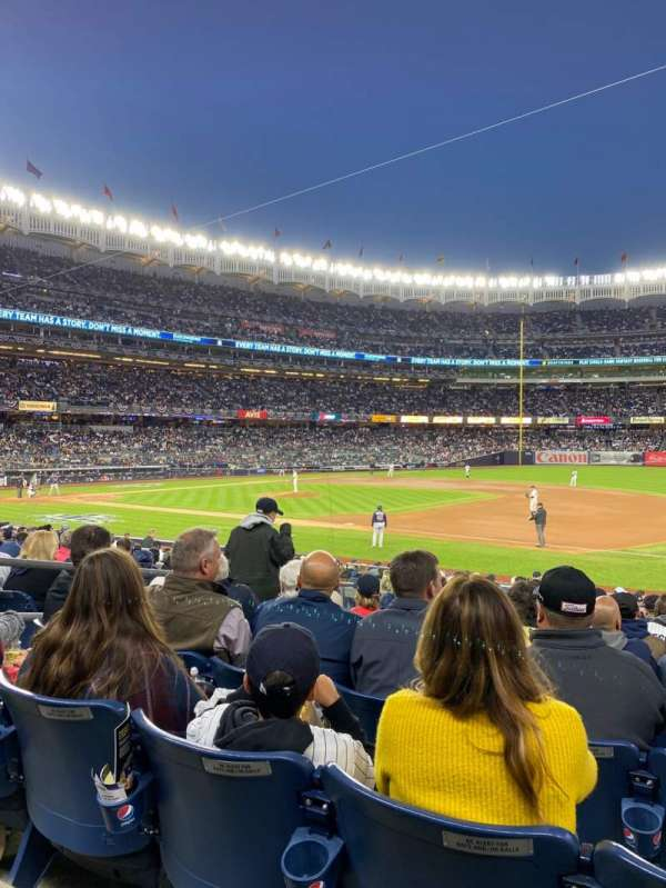 Yankee Stadium, sección: 114a, fila: 9, asiento: 9