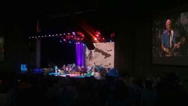 PNC Music Pavilion, sección: 4, fila: R, asiento: 32