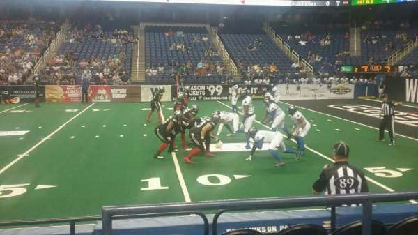 Greensboro Coliseum, sección: 127, fila: CC, asiento: 14