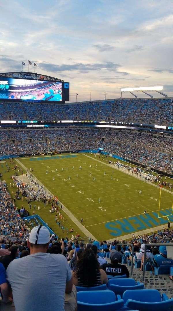 Bank of America Stadium, sección: 533, fila: 24, asiento: 3