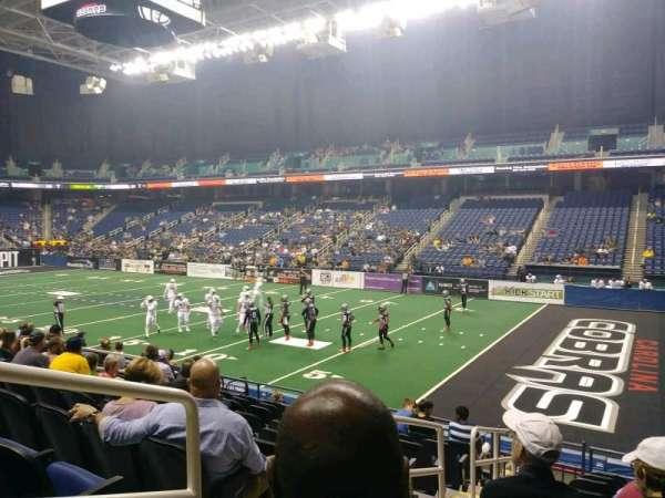 Greensboro Coliseum, sección: 129, fila: KK, asiento: 12
