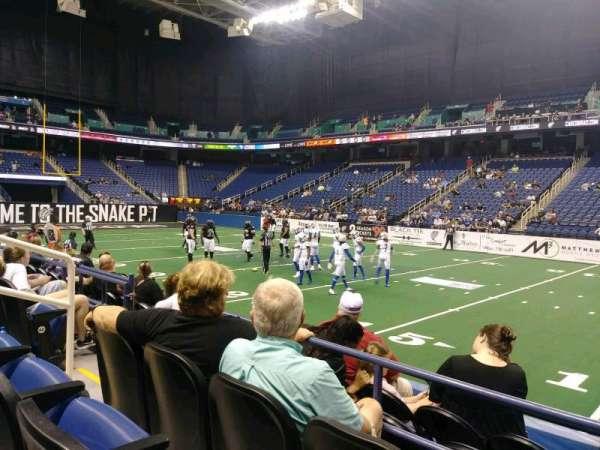 Greensboro Coliseum, sección: 111, fila: CC, asiento: 6