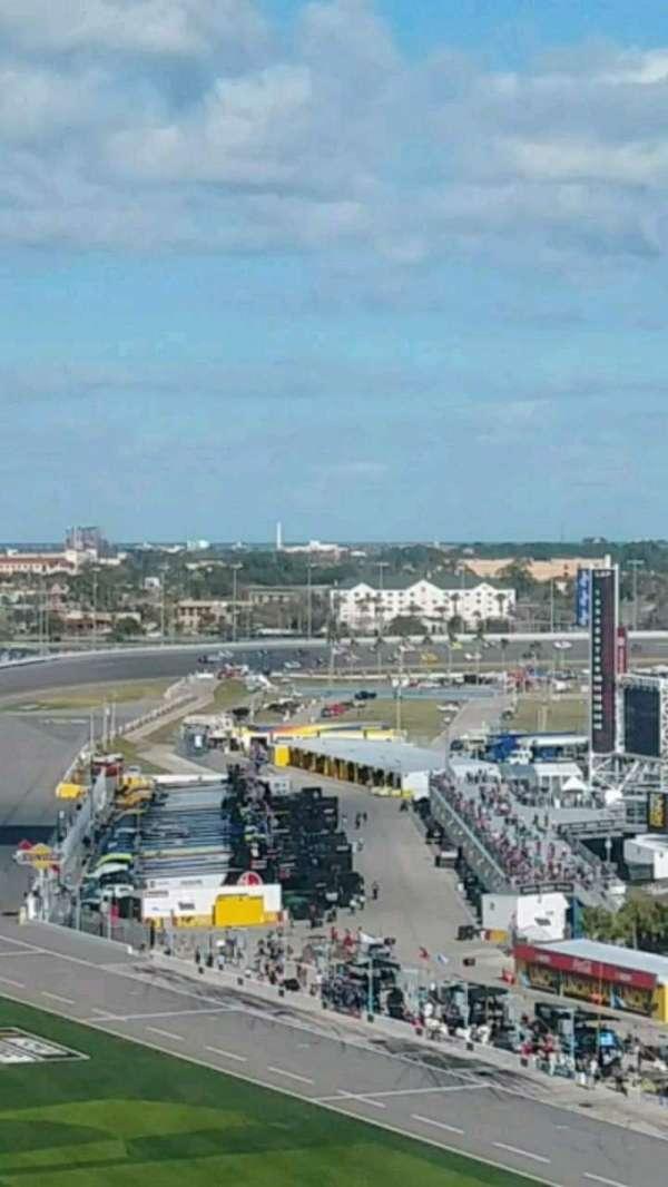 Daytona International Speedway, sección: 463, fila: 32, asiento: 11