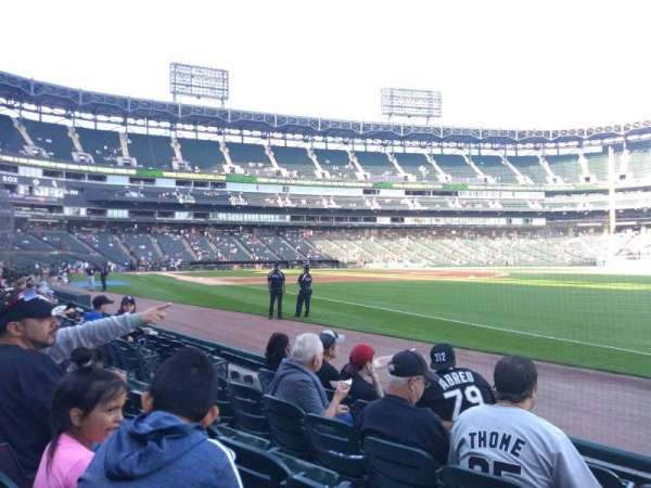 Guaranteed Rate Field, sección: 115, fila: 4, asiento: 1