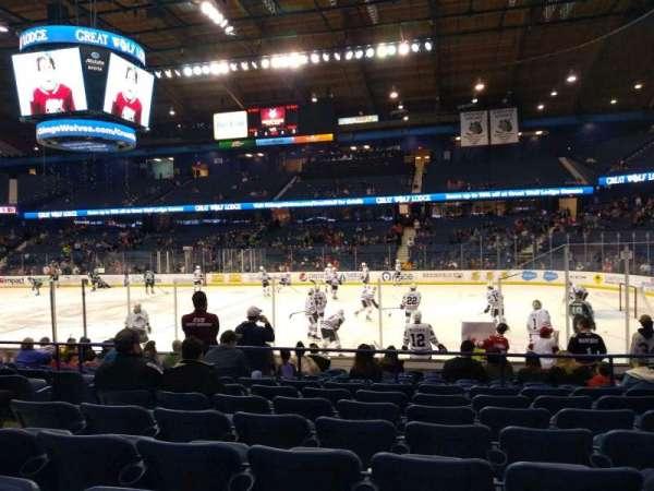 Allstate Arena, sección: 109, fila: H, asiento: 17