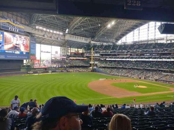 American Family Field, sección: 228, fila: 18, asiento: 14