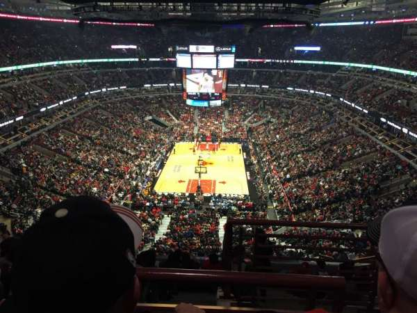 United Center, sección: 326, fila: 10, asiento: 1