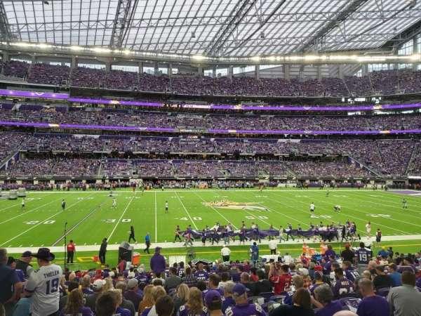 U.S. Bank Stadium, sección: V4, fila: 19, asiento: 13
