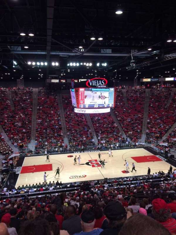 Viejas Arena, sección: P, fila: 33, asiento: 12