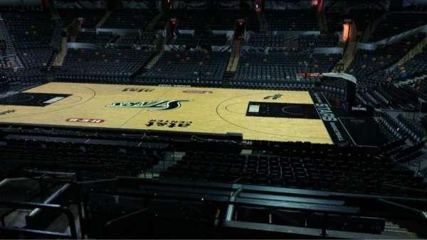 AT&T Center, sección: 106, fila: 28, asiento: 10