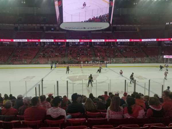 Kohl Center, sección: 108, fila: N, asiento: 13