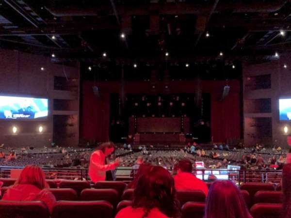 Microsoft Theater, sección: Loge Center, fila: F, asiento: 312