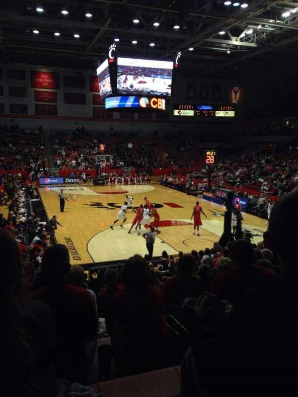 Fifth Third Arena, sección: 114, fila: 16, asiento: 9