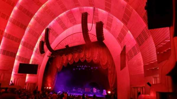 Radio City Music Hall, sección: Orchestra 1, fila: E, asiento: 104