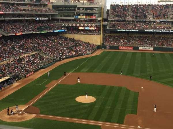 Target Field, sección: 209, fila: 1, asiento: 7