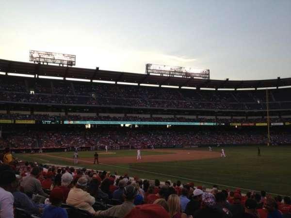 Angel Stadium, sección: F130, fila: N, asiento: 3