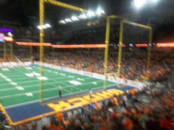 Spokane Arena, sección: 120, fila: T, asiento: 14
