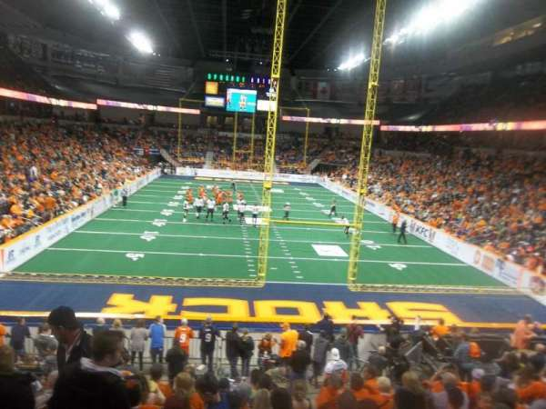 Spokane Arena, sección: 122, fila: S, asiento: 16