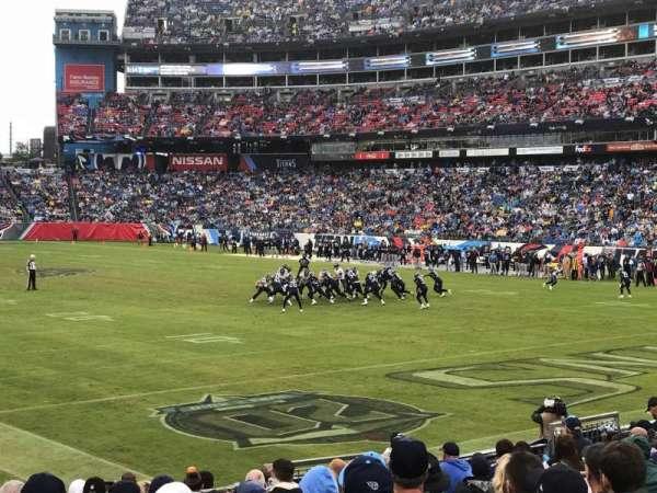 Nissan Stadium, sección: 104, fila: P, asiento: 9