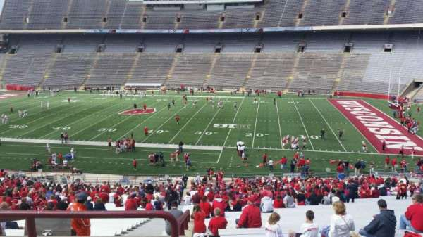 Camp Randall Stadium, sección: r, fila: 57, asiento: 36