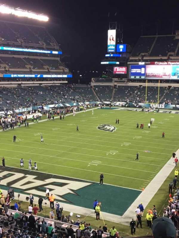Lincoln Financial Field, sección: M13, fila: 4, asiento: 4
