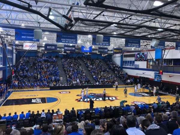 Sullivan Athletic Center, sección: D, fila: 20, asiento: 13